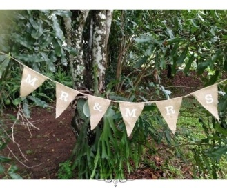 Mr & Mrs burlap bunting, 2m. $5.50
